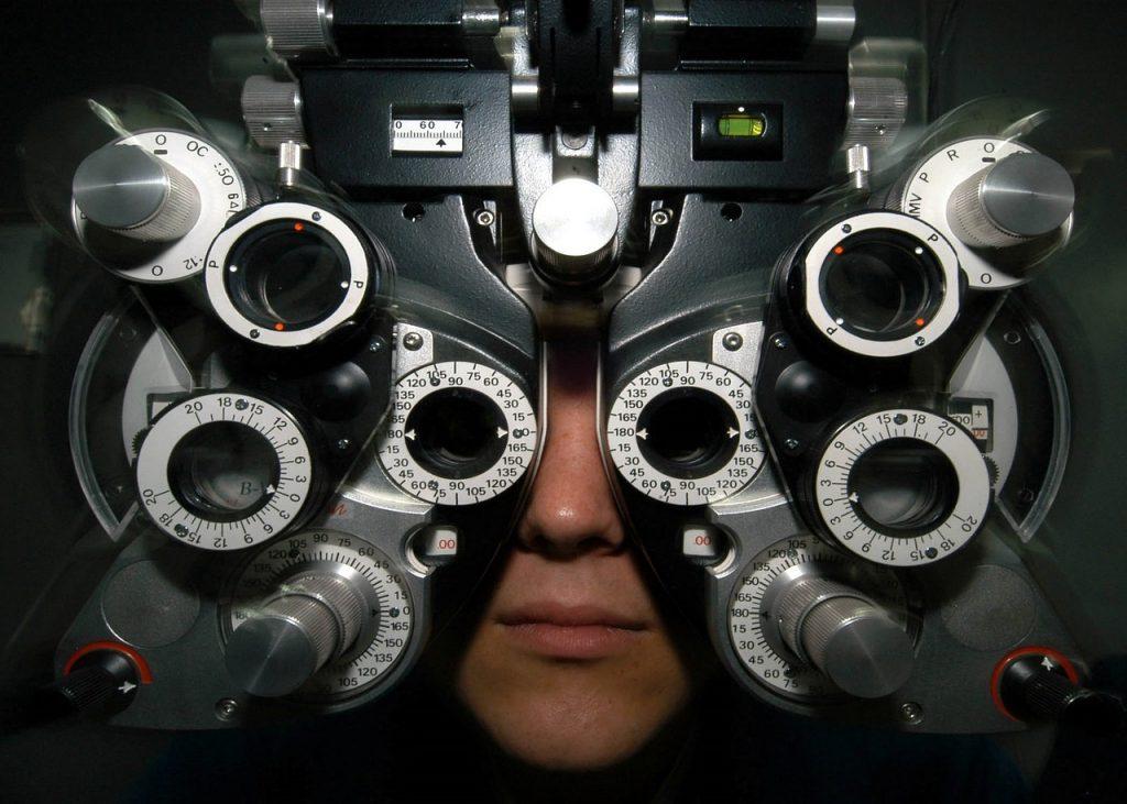 Lasik-eyeglasses